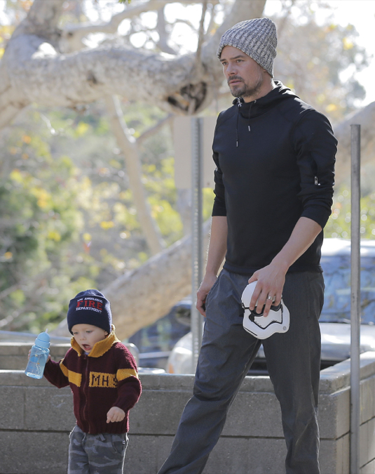 Josh Duhamel Takes His Son To A Park In Brentwood
