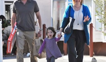 Alyson Hannigan & Family Stop by the Brentwood Country Mart