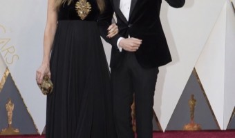 Eddie Redmayne & Wife Hannah at 2016 Academy Awards
