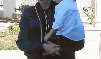 Gwen Stefani & her Boys Attend Church