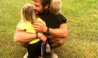 Chris Hemsworth's ADORABLE Birthday Photo of Twins Tristan and Sasha
