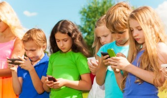Parenting Strategies In the Age of Technology: Establishing Family Social Media Rules