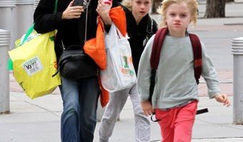 Naomi Watts Super-Cute Shopping Trip with Sons Samuel and Alexander Schreiber