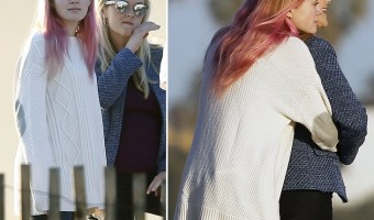 Reese Witherspoon and Ava Phillippe Adorable Beach Bonding Photos