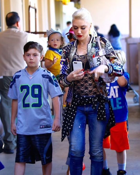 gwen stefani spends the day with her children at disneyland celeb baby laundry