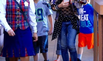 Gwen Stefani Spends the Day With her Children at Disneyland