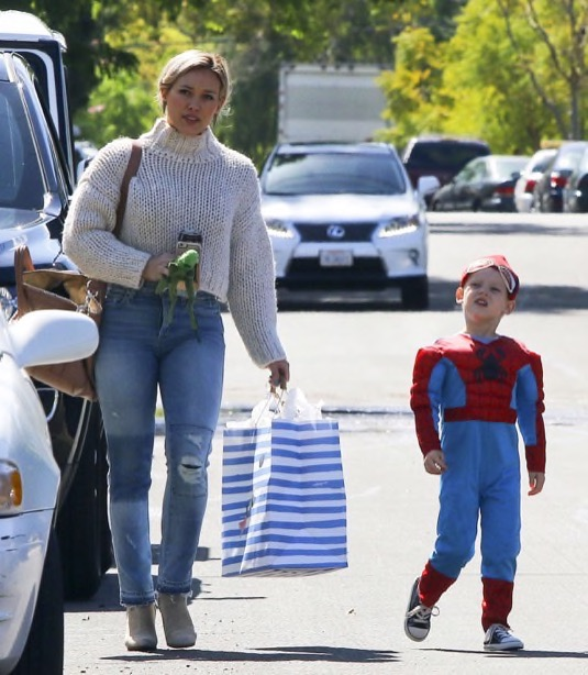 hilary-duff-luca-party4