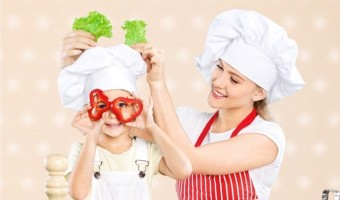 Kitchen Fun With Kids: Guide to Teaching Your Child to Cook
