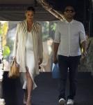Pregnant Chrissy Teigen And John Legend Get Lunch