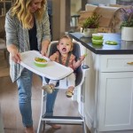Haylie Duff & Daughter Love the New 4moms High Chair