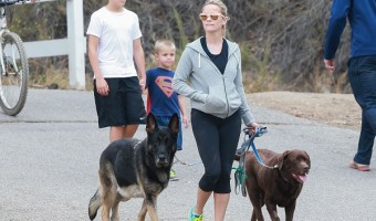 Reese Witherspoon Takes Sons Tennessee And Deacon On A Family Hike