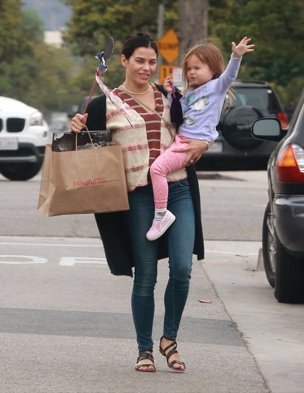 ... shopping with her daughter Everly ... Channing Tatum Baby Everly