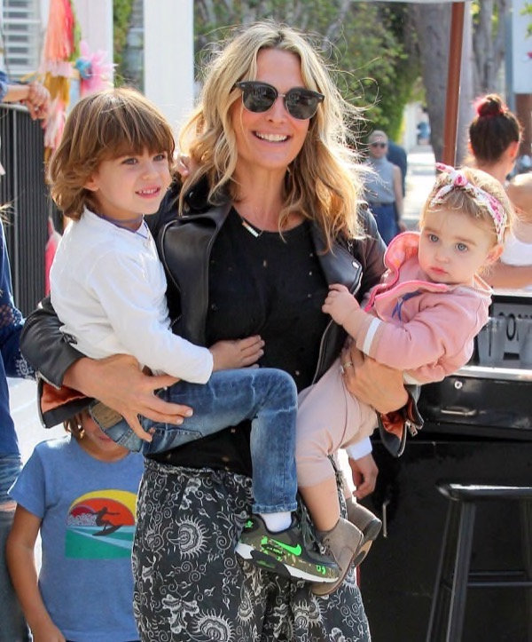 mollysims-kids-out4