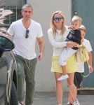 reese-witherspoon-family-karate-shopping7