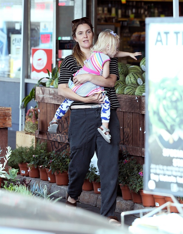 Drew Barrymore Grocery Shopping With Daughter Frankie Kopelman