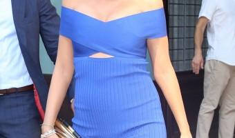 Pregnant Blake Lively Shopping With Husband Ryan Reynolds