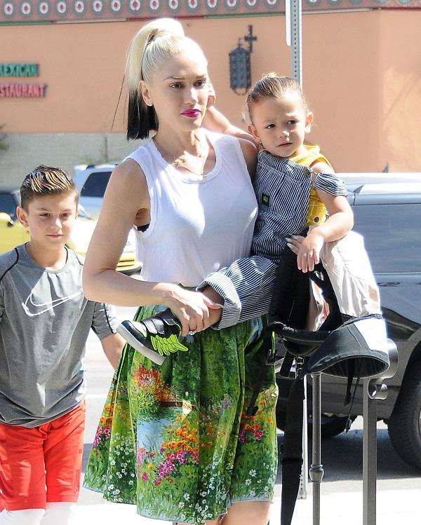 Gwen Stefani Takes Her Kids To Church