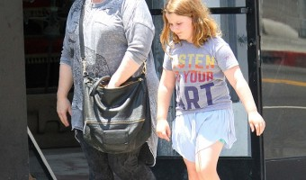 Melissa McCarthy And Daughter Vivian Go Shopping