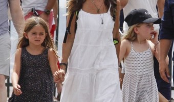 Sarah Jessica Parker & Family Vacation in Spain