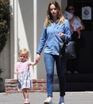 emily-blunt-daughter-out11