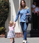 emily-blunt-daughter-out14
