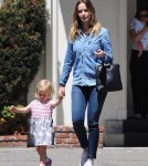 emily-blunt-daughter-out17