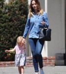 emily-blunt-daughter-out20