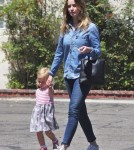 emily-blunt-daughter-out6