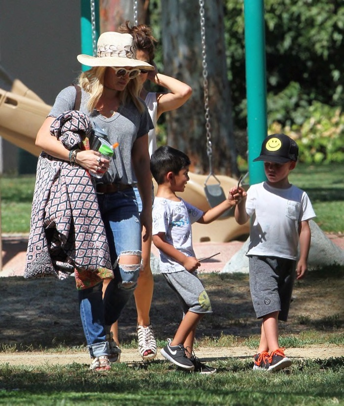 hilary-duff-parkday-luca4
