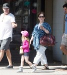 melissamccarthy-fam-out2