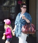 melissamccarthy-fam-out3