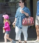 melissamccarthy-fam-out5