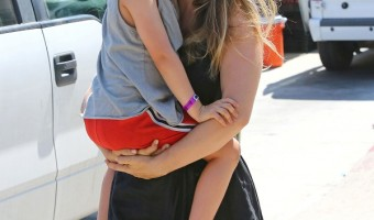 Alicia Silverstone And Bear Blu Have A Blast At The Farmer's Market