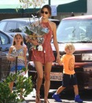alessandra-ambrosio-kids-out-and-about1