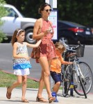 alessandra-ambrosio-kids-out-and-about10