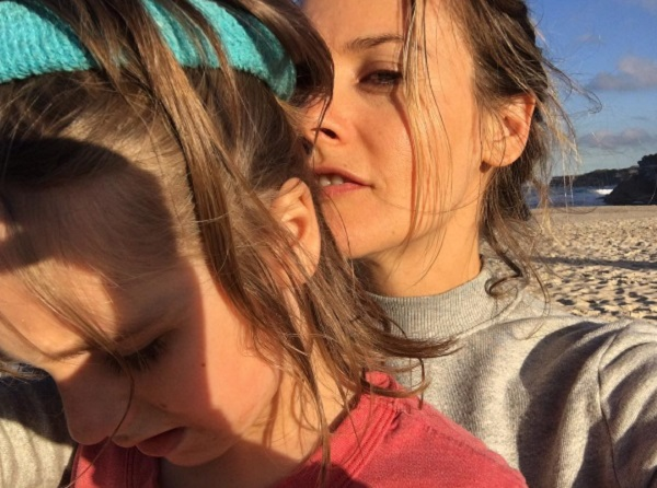 Alicia Silverstone And Bear Blu Soak Up The Sun In Sydney