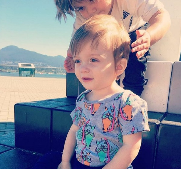 Jaime King's Sons Leo Thames and James Knight Play Together