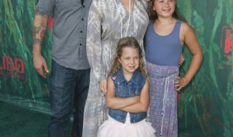 Jodie Sweetin & Family Attend the Kubo and The Two Strings Premiere