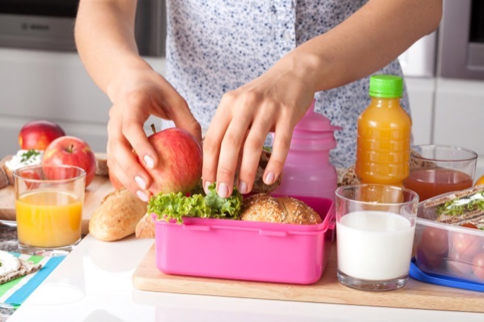 How to Prepare Healthy Lunches This School Year