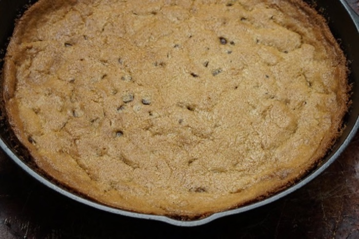 Easy Turtle Skillet Cookie