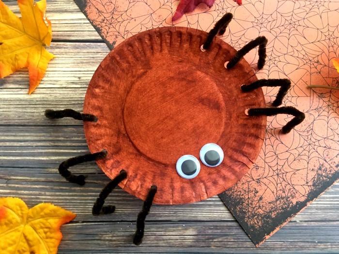 Simple Halloween Spider Craft