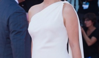 Natalie Portman is Pregnant – Debuts Baby Bump at Venice Film Festival