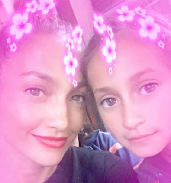 Jennifer Lopez Poses For a Selfie With Her Daughter Emme