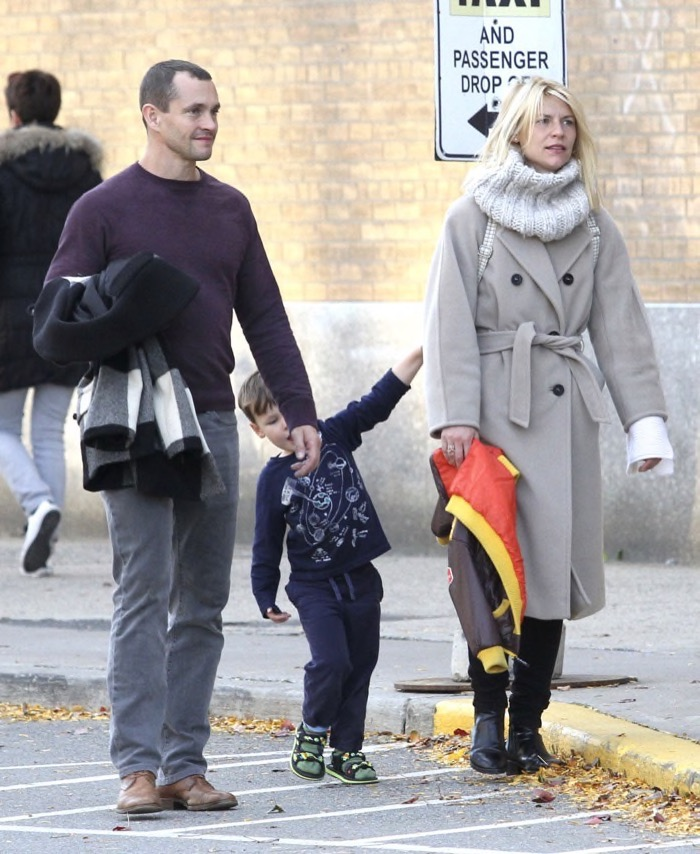 claire-danes-family-nyc5