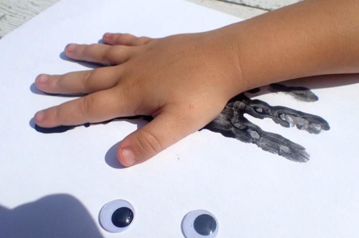 Halloween Handprint Spider Craft