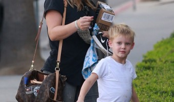 Hillary Duff Visits her Boyfriend With Luca