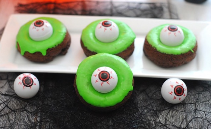 Halloween Monster Eye Pumpkin Donut