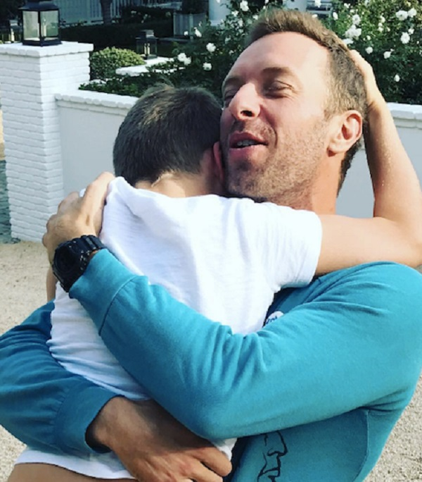 Chris Martin Reunites With Moses and Apple For Thanksgiving