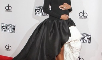 Ciara Debuts Baby Bump at American Music Awards