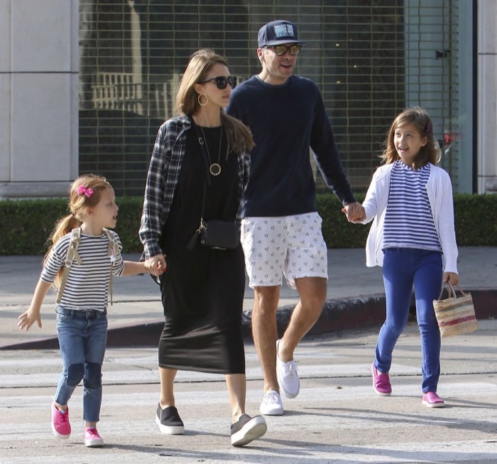 jessicaalba-family-hollywood14